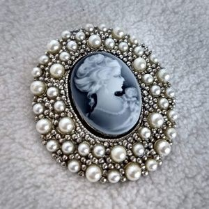 Vintage pearl cameo brooch